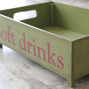 Caja vintage Soft Drinks verde