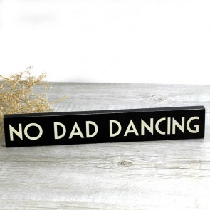 Cartel Madera no Dad Dancing