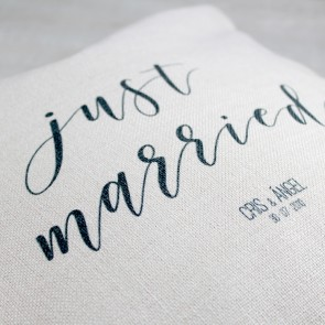 Cojín Just Married personalizable