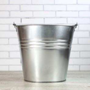 Cubo grande de zinc