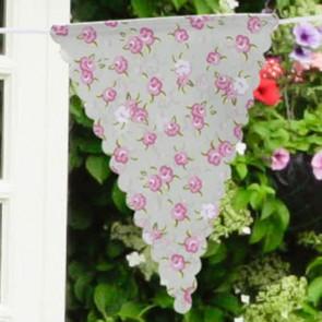 Guirnalda de tela verdeagua con rosas