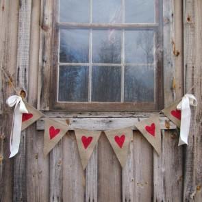 Guirnalda rústica banderines corazones rojos