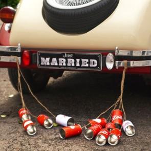Latas para coche de boda