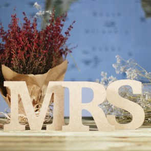 Letras Mr Mrs madera natural