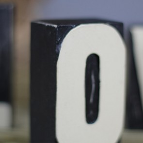 Letras Love de madera negras