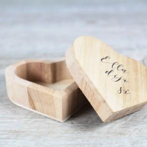 Porta alianzas madera corazón